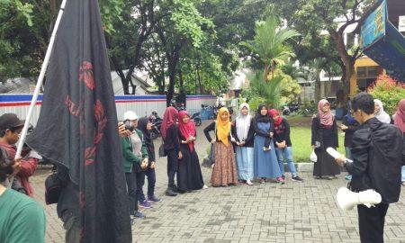 Parade Puisi: Aksi Konkret Mahasiswa Sastra Indonesia