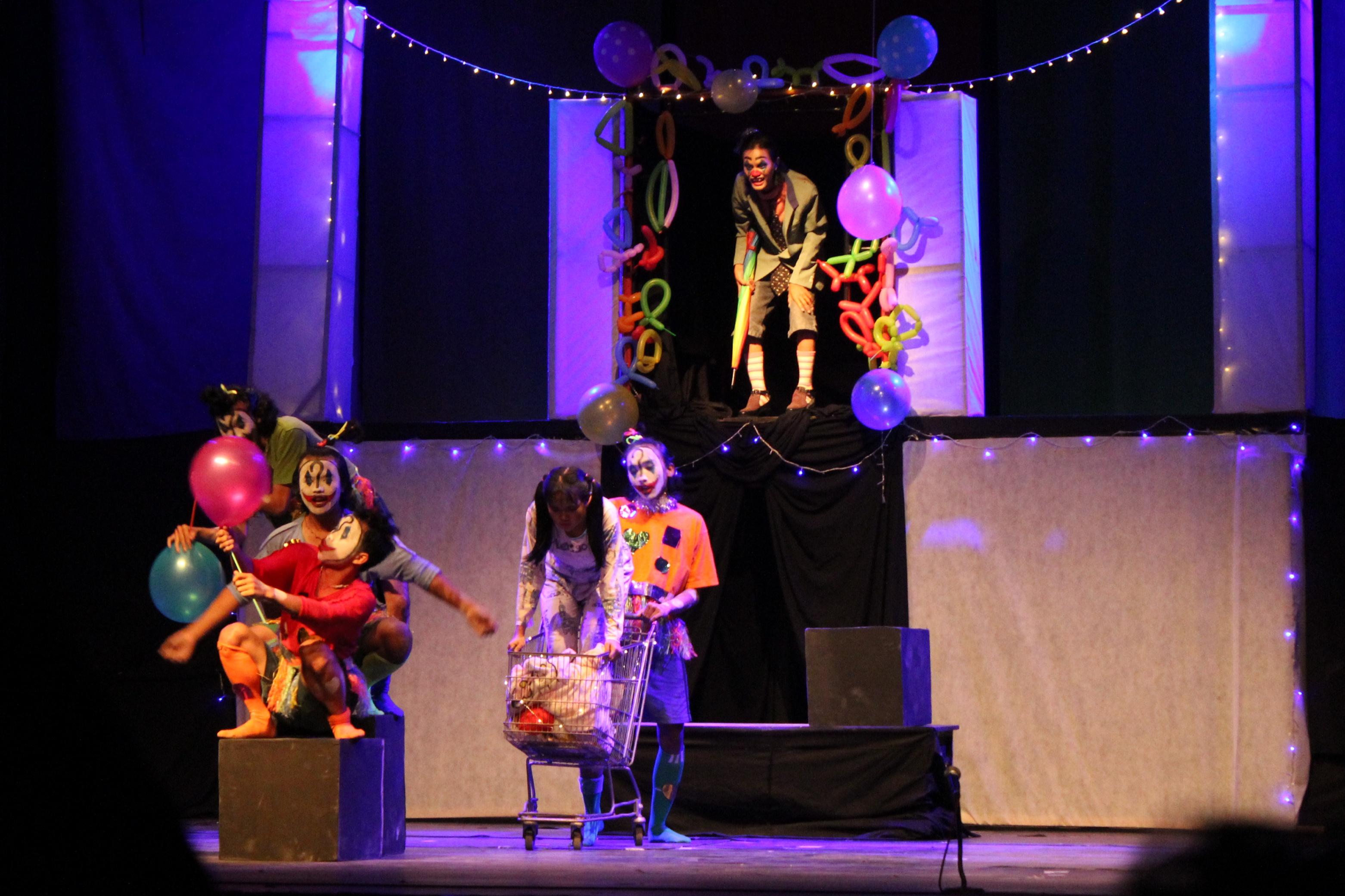 Teater Etalase Tubuh Sangkala
